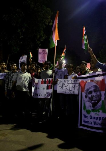 Hazare to be allowed 'hunger strike' protest in Delhi