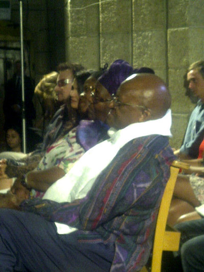 Dalai Lama and Desmond Tutu 'hang out' on Google+