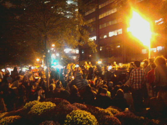 Wall Street protesters spend second night in park