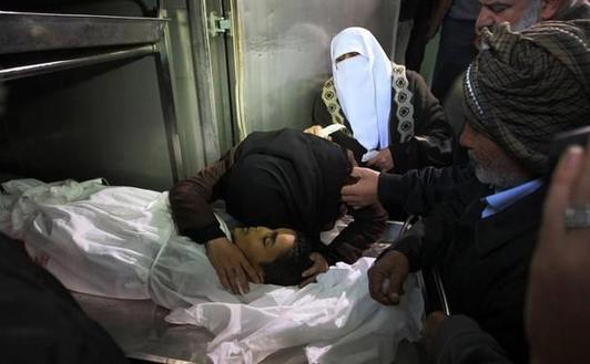 Israelis, Palestinians cry foul in propaganda war