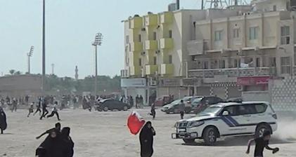 Bahrain police charge with jeeps as protests target Lulu