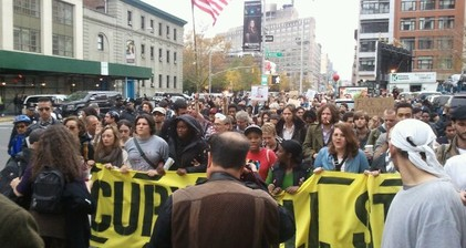 Day of tension in NYC as #OccupyWallSt fights for life