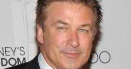 Alec Baldwin vs American Airlines: Twitter wins