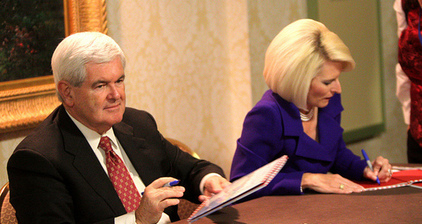 Gingrich vows marital fidelity in written pledge