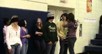 Kids smooch parents in Minnesota high school prank