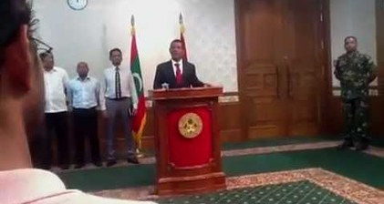 President Nasheed of the Maldives resigns amid unrest