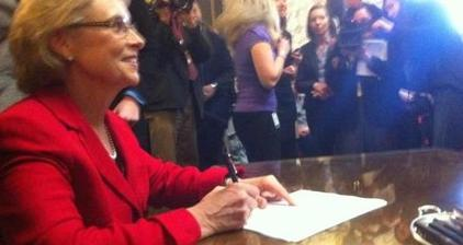 Washington governor signs same