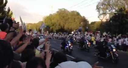 Cheering crowds welcome Pope to Mexico