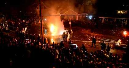 Kentucky basketball fans riot after Final Four victory