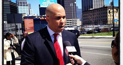 Newark mayor gets superhero status with #CoryBookerFacts