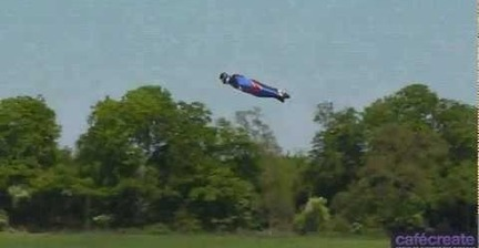 Skydiver lands safely after 2,400-foot jump without a parachute