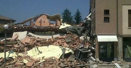 Company's 'offensive' tweet after Italian quake stirs up Twitter storm