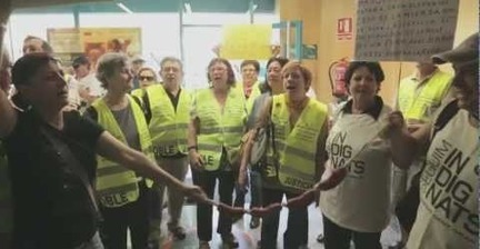 Spain's 'indignant grandparents' storm Bankia branches