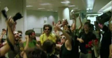 VIDEO: Spanish protesters celebrate bank account closure