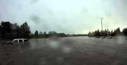 VIDEO: Jet-skiing in Minnesota floods