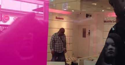 VIDEO: Angry customer smashes up T-Mobile store