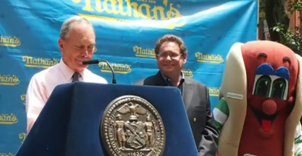 Hot dog puns prove too much for Mayor Bloomberg amid July 4th celebrations