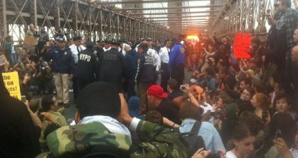 #Occupywallstreet protesters block Brooklyn Bridge